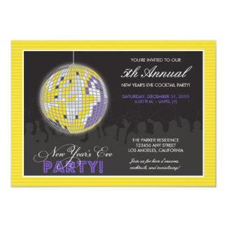 Invitación del fiesta de Noche Vieja de la bola de