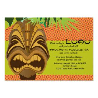 Invitación del fiesta de Tiki Luau de la isla