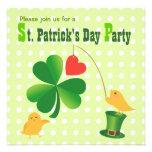 Invitación del fiesta del día de St Patrick feliz