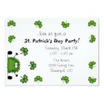 Invitación del fiesta del día de St Patrick lindo
