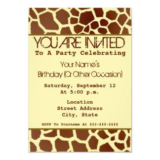 Invitación del fiesta del estampado de girafa