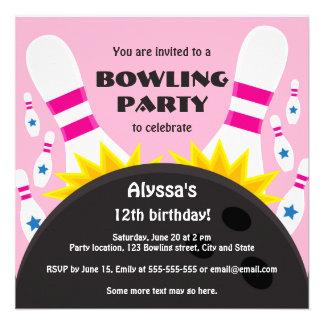 Invitación del fiesta que rueda con la bola de bol