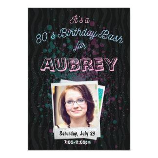 invitación del golpe del cumpleaños 80s - tema 5x7