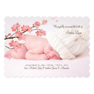 Invitación del nacimiento de la foto de las flores