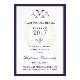 Invitación elegante púrpura de la graduación del m