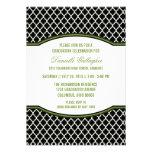 Invitación elegante verde de la graduación de Quat
