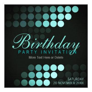 Invitación enrrollada de la fiesta de cumpleaños d