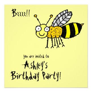 Invitación enrrollada del fiesta de la abeja de la