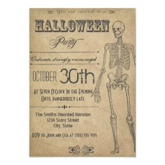 Invitación esquelética de Halloween del vintage