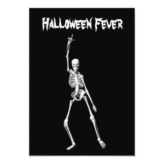 Invitación esquelética de la fiebre de Halloween