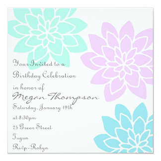 Invitación floral azul y púrpura del cumpleaños
