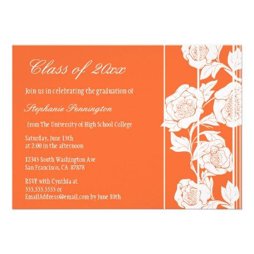 Invitación floral blanca coralina de la fiesta de