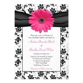 Invitación floral blanca del boda del negro rosado