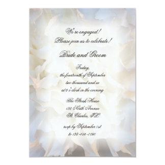 Invitación floral blanca del fiesta de compromiso