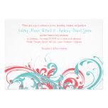 Invitación floral coralina del boda del destino de