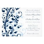 Invitación floral del azul marino y blanca del bod