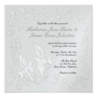 Invitación floral del boda del platino del cordón