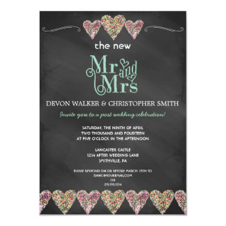 Invitación floral del boda del poste de la pizarra