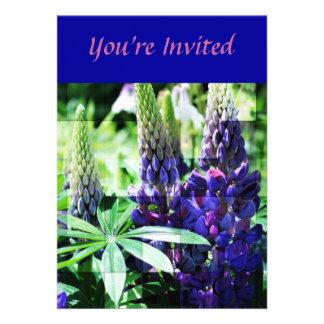 Invitación floral del trío púrpura del Lupine