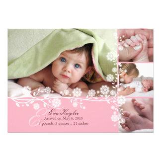 Invitación floral delicada rosada de la niña tambi