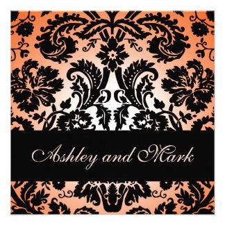 Invitación floral negra anaranjada del boda del da