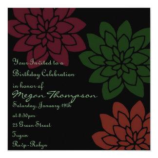 Invitación floral roja y verde del cumpleaños