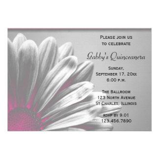 Invitación floral rosada de Quinceanera de los pun