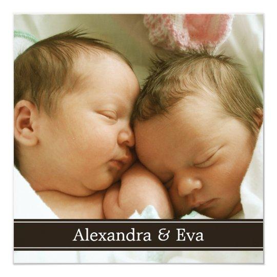 Invitación gemela del nacimiento de la foto de los
