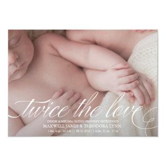 Invitación gemela del nacimiento dos veces el amor