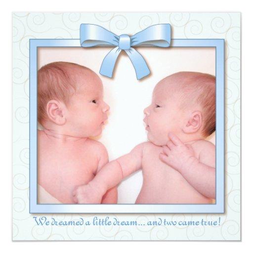 Invitación gemela ideal azul del nacimiento de la
