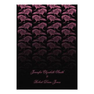 Invitación gótica del boda del cuervo púrpura