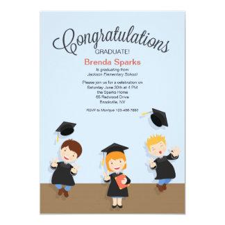 Invitación graduada de la graduación de la chica
