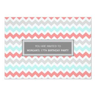 Invitación gris de la fiesta de cumpleaños de
