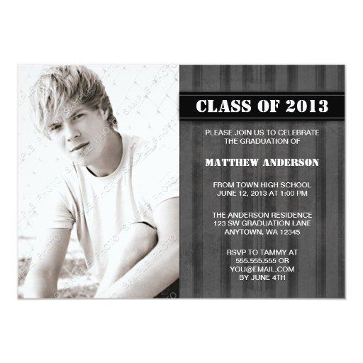 Invitación gris de la graduación de la foto de la