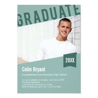 Invitación inclinada de la graduación de la foto