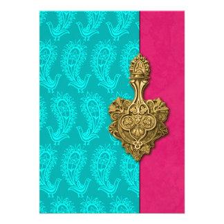Invitación india del boda de los pavos reales de P