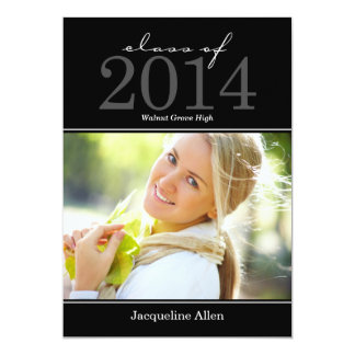 Invitación intrépida y hermosa de la graduación -