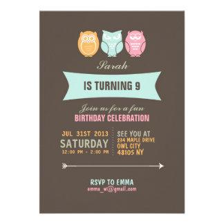 Invitación linda del cumpleaños del dibujo animado