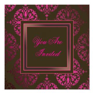 Invitación marrón y rosada de las rosas fuertes