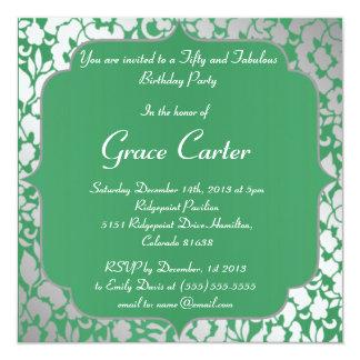 Invitación metálica del feliz cumpleaños del verde