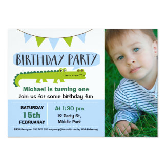 Invitación moderna del cumpleaños del cocodrilo de