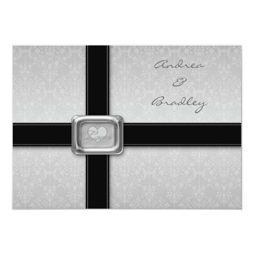 Invitación negra de plata del boda del medallón