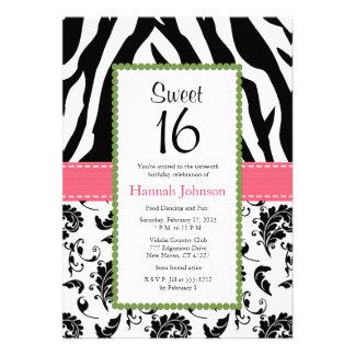 Invitación negra rosada del dulce dieciséis del es