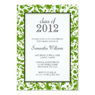 Invitación negra verde de la graduación del