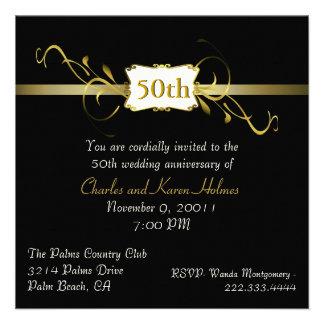 Invitación negra y dorada del aniversario