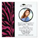 Invitación negra y rosada de la graduación de la