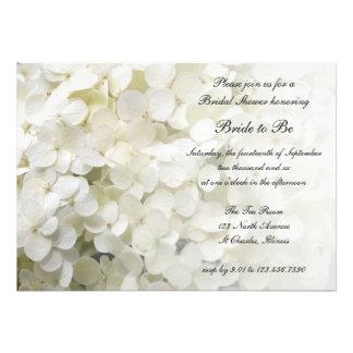 Invitación nupcial de la ducha del Hydrangea blanc