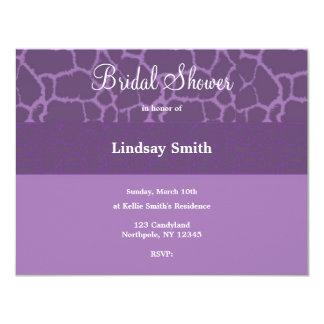Invitación nupcial de la ducha del modelo púrpura