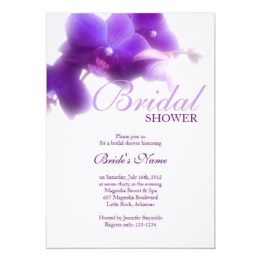 Invitación nupcial púrpura de la ducha