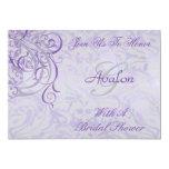 Invitación nupcial púrpura rococó de la ducha del invitación 12,7 x 17,8 cm